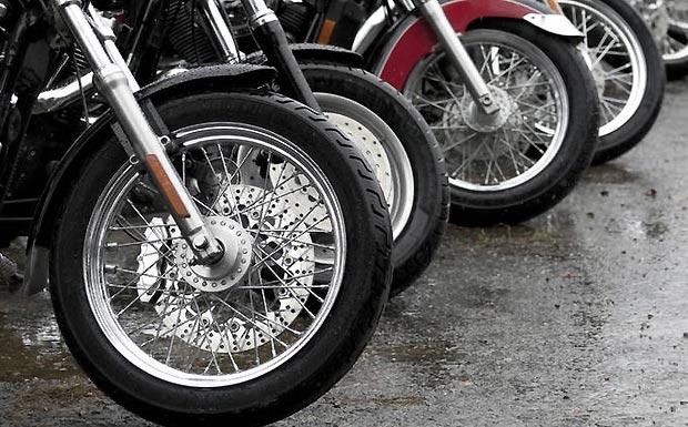 continental mit neuem motorrad abs verkehrsunfall und. Black Bedroom Furniture Sets. Home Design Ideas